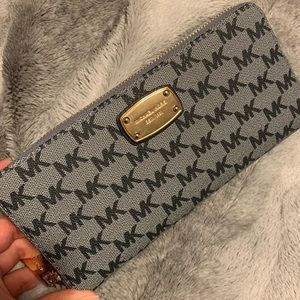 Michael kors monogram wallet/wristlet